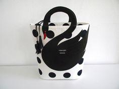 Polka dots white swan bag от VaVaRa на Etsy