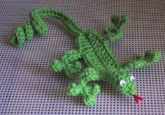 Gecko Bookmark - so cool it'd almost be worth learning to crochet for.
