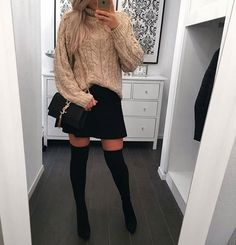 Caught the eye! Selfies, Fashion Boots, Girl Fashion, Winter Outfits, Winter Clothes, Skater Skirt, Knitting, Skirts, Dressing Rooms