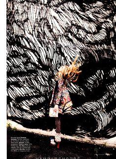 Hellllo mixed prints and retro flares! Photos: Bregje Heinen by Serge Leblon for US ELLE September 2012 via Visual Optimism Bregje Heinen, Fashion Prints, Fashion Art, Editorial Fashion, Fashion Today, Daily Fashion, High Fashion Photography, Editorial Photography, Elle Moda