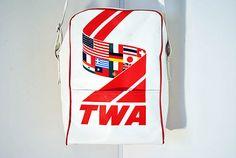 Vintage 1970's TWA flight tote travel bag INTERNATIONAL FLAGS - Trans World Airlines