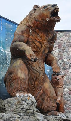 Bear and Cub, Mackinaw City, Michigan 1 GREAT place to shop!