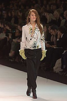Kenzo Fall 2000 Ready-to-Wear Fashion Show - Zdenka Barcalova (NATHALIE), Gilles Rosier
