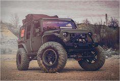 JEEP NOMAD  Depois de mostrar a sua magia no espetacular Jeep Nighthawk e do ameaçador Jacket Jeep Full Metal, Starwood Motors lançou a sua conversão mais recente, o Jeep Nomad.