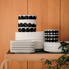 Meet our new Oiva ceramics in Räsymatto print. Marimekko, Tea Trolley, 2017 Design, Design Shop, Tea Culture, Selling Furniture, Lassi, Japanese Patterns, Textile Patterns
