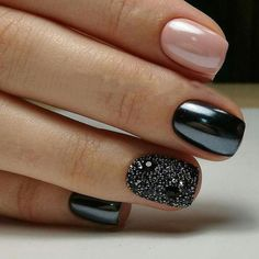 80 Incredible Black Nail Art Designs for Women and Girls – The Best Nail Designs – Nail Polish Colors & Trends Fancy Nails, Trendy Nails, Cute Nails, Black Nails With Glitter, Black Acrylic Nails, Black Nails Short, Nail Black, Black Polish, Black Sparkle