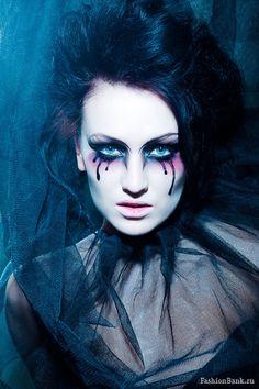 Svetlana Shaida Gothic makeup