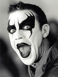 """""""Early mornin' when I wake up, I look like KISS, but without the make-up, and that's a good line to take it to the bridge..."""" Robbie Williams :)"""