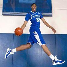 "Anthony Davis ""fear the brow""  Kentucky wildcats :)"