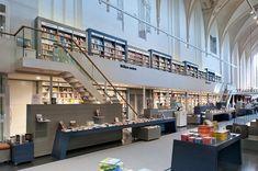 昔は教会だったオランダの美しい本屋さん | roomie(ルーミー)
