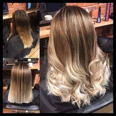 Balayage!  @hendrixhairdrammen @hendrixhair #hendrixhair #hendrixhairdrammen #drammen #hair #frisørdrammen #miriamquevedo #ghd #perfecthair #hairstyle #hairoftheday #instahair #hairofinstagram #blonde #curlyhair #hairstylist #color #haircut #matrixcolor # Matrix Color, Ghd, Curly Hair Styles, Hair Cuts, Instagram Posts, Beauty, Haircuts, Hair Cut, Cosmetology