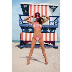 Colour Blocking-Design. Der absolute Hit diesen Sommer. #bikini #strand #colour