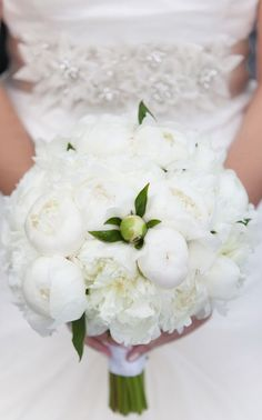 Wedding bouquet idea; Featured Photographer: Miller + Miller Photography