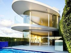 Luxurious Butterfly House With A Spectacular Curved Architecture