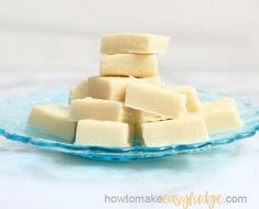 The BEST easy vanilla fudge recipe, made with only 4 ingredients in the microwave or on the stove-top. It's so creamy and velvety smooth. Microwave Vanilla Fudge Recipe, Vanilla Fudge Recipes, Microwave Fudge, Vanilla Fudge Condensed Milk, Condensed Milk Recipes, White Chocolate Fudge, Chocolate Desserts, Peanut Butter Chips, Dessert Recipes