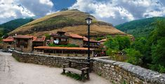 Bárcena Mayor (Cantabria). Considerado el pueblo más antiguo de España