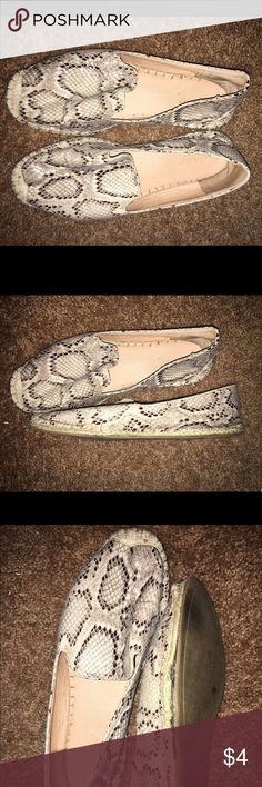 Bamboo Espadrille Flats Size 9 very cute used shoe damage shown in photo hole on left side of shoe. Can be fixed with glue. Bamboo Shoes Espadrilles