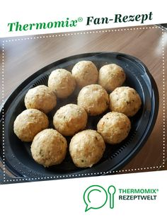 Semmelknödel Bread dumplings from Michaela. A Thermomix ® recipe from the side dishes category www.de, the Thermomix ® community. Italian Pasta Recipes, Best Italian Recipes, Greek Recipes, Healthy Crockpot Recipes, Vegetarian Recipes, Cooking Recipes, Appetizer Recipes, Dessert Recipes, Bread Dumplings