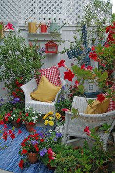 My Painted Garden: Happy Summer Garden Tour - Gardening For Life Outdoor Rooms, Outdoor Gardens, Outdoor Living, Outdoor Furniture Sets, Outdoor Decor, Roof Gardens, Dream Garden, Garden Art, Home And Garden