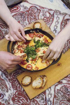 Margaritadippi | Juhli ja nauti, Kastikkeet, tahnat ja marinadit | Soppa365 Vegan Breakfast Recipes, Vegan Recipes Easy, Vegetarian Recipes, Cooking Recipes, Just Eat It, Daily Bread, Lunches And Dinners, Vegetable Pizza, Tapas