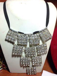 #collana di #cristalli quadrati con nastro nero a chiusura  Info@oro18.eu #oro18 #bigiotteria #bijoux #jewelry www.oro18.eu