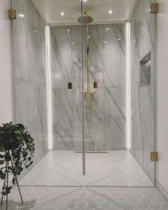 57 ultra modern master bathroom ideas to inspire your next renovation ⋆ newpor… – Marble Bathroom Dreams Luxury Master Bathrooms, Modern Master Bathroom, Bathroom Spa, Bathroom Layout, Modern Bathroom Design, Dream Bathrooms, Bathroom Interior Design, Small Bathroom, Bathroom Ideas