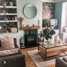 Catching Up With The Living Room - Boo & Maddie Living Room Decor Eclectic, Cottage Living Rooms, Living Room Green, New Living Room, Small Living Rooms, Living Room Interior, Living Room Designs, Living Room Decor Colors, Condo Living