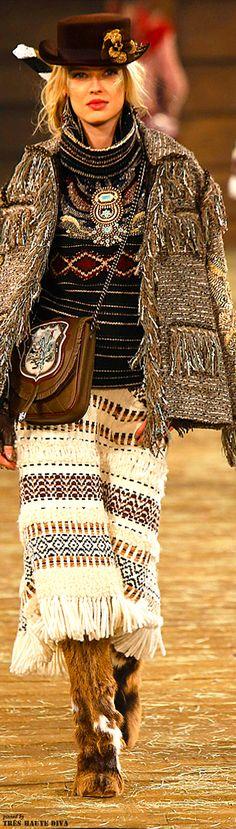 Chanel / Pre-Fall 2014 / High Fashion / Ethnic & Oriental / Carpet & Kilim & Tiles & Prints & Embroidery Inspiration /
