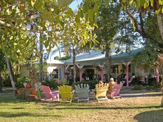Shellbelle's Tiki Hut: Dining on Sanibel Island