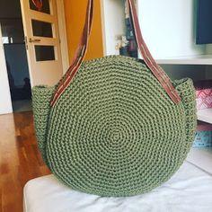Bolsa en crochet (Patrón) Crochet Handbags, Crochet Purses, Crochet Bags, Love Crochet, Knit Crochet, Clutch Purse, Coin Purse, Messenger Bag Backpack, Diy Handbag