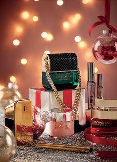 Beauty - Christmas - Still Life - Photography - Art Direction - Lee Ackland Beauty Photography, Christmas Photography, Photography Camera, Still Life Photography, Product Photography, Fashion Photography, Christmas Editorial, Cosmetic Design, Perfume
