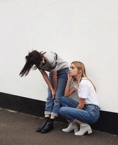 Latest denim trend : mom jeans and girlfriend jeans for vintage outfits <3