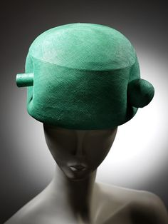 Another awesome Balenciaga hat from the Victoria and Albert Museum collection. You've got to love the sense of humor of the man.
