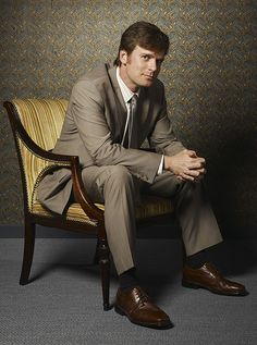 Peter Krause. Only Aleksei is sexier.