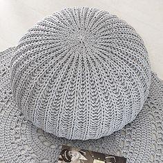 OHJE: Kimalle-irtopäällinen Crochet Home, Knit Crochet, Yarn Store, Knitted Hats, Pillows, Rugs, Knitting, Handmade, Diy
