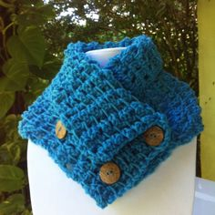 This crochet cowl was made by Inma who offers therapeutic crochet sessions Crochet Purses, Crochet Hooks, Crochet Classes, Favorite Color, Embroidery, Cowls, Knitting, Purple, Crochet Ideas