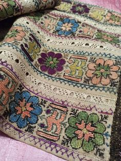 Embroidery Motifs, Gold Embroidery, Dress Design Sketches, Vintage Perfume Bottles, Cross Stitch Designs, Metal Stamping, Diy And Crafts, Ottoman, Floral Design