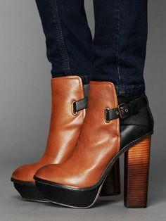 Jordanna Boots / Dolce Vita