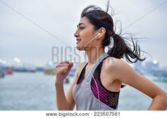 The best workout music and how to create the perfect playlist How to create the perfect exercise pla Health And Fitness Apps, Fitness Gadgets, Best Workout Headphones, Big Five Personality Traits, Best Workout Music, Steady State Cardio, Interval Running, Group Fitness Classes, Stay Fit