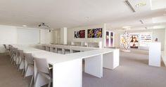 Área de reuniões nos escritórios da Coty em Paris, França