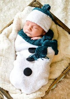 Knitting Pattern for Snowman Baby Bunting - Baby cocoon and hat set in worsted weight yarn.
