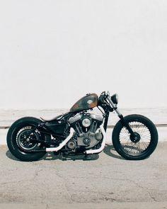 Harley Davidson News – Harley Davidson Bike Pics Motos Bobber, Bobber Bikes, Bobber Motorcycle, Bobber Chopper, Cool Motorcycles, Vintage Motorcycles, Scrambler, Harley 48, Harley Bobber
