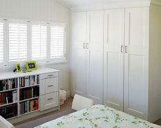 Built-in Wardrobes - Wardrobe Design Centre, Brisbane Built in Wardrobes Girls Bedroom Storage, Bedroom Closet Design, Master Bedroom Closet, Bedroom Wardrobe, Wardrobe Design, Built In Wardrobe, Home Bedroom, Bedroom Inspo, Bedroom Ideas