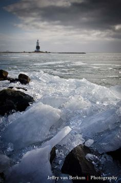 28 _ Drifting ice near Marken by Jeffry van Berkum, via 500px