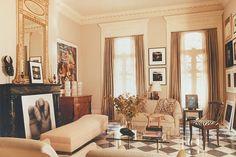 Image from http://www.leeledbetter.com/uploads/french_quarter_residence_03.jpg.