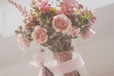 50 ramos de novia 2017 en los que debes inspirarte para tu boda. ¡Da color a tu look con las mejores flores! Image: 31