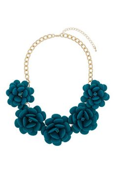Large Turquoise Flower Necklace - want.  I'm looking for a statement necklace and I really like this!