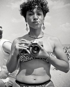 """During the 70s photographer @rickyflores captured the Bronx's enduring spirit as its residents found hope in a new art movement. As the government turned its back the Bronx burned in a massive series of fires. The era became ruled by the do-it-yourself ethos because under a governmental policy of """"benign neglect"""" (systemic racism that denied basic services to Black and Latinx neighborhoods) it was understood if you didnt do it no one would. """"(The story of the Bronx) is about the activists…"""
