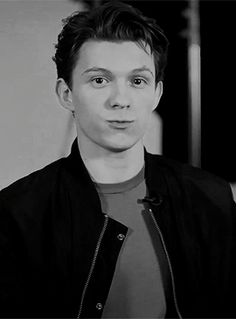 One Shots Tom Holland/ Spider-man Tom Holland Peter Parker, Tom Peters, Tom Holand, Baby Toms, Tommy Boy, Man Thing Marvel, Marvel Actors, Wattpad, Celebrity Crush