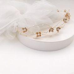 Tocados de cristal y metal archivos - Página 2 de 4 - hip&love Amy, Napkin Rings, Bracelets, Love, Jewelry, Fashion, Contouring, Valentines Day Weddings, Bridal Headpieces